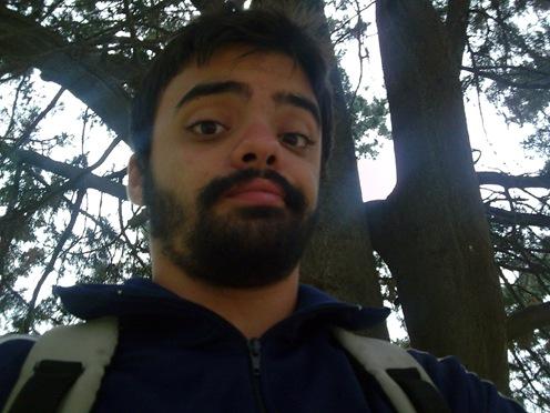 Yo abajo de un árbol