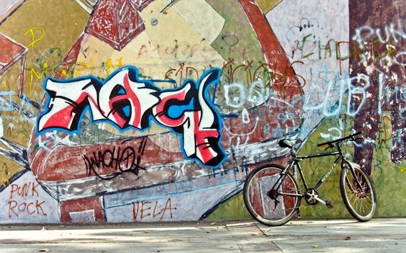 graffiti y bicicleta-8700