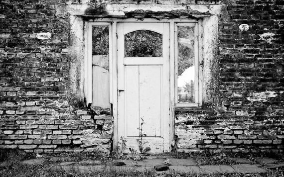 puerta y ladrillos-18 de abril de 2010-_DSC8555-Edit